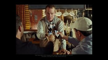 Michelob TV Spot, 'Happy' Featuring Serena Williams, Peyton Manning, Song by A Tribe Called Quest - Thumbnail 4