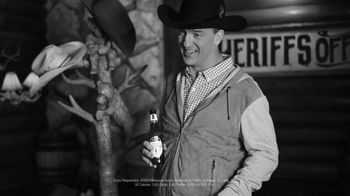 Michelob TV Spot, 'Happy' Featuring Serena Williams, Peyton Manning, Song by A Tribe Called Quest - Thumbnail 5
