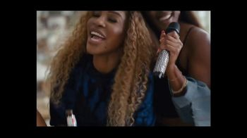 Michelob TV Spot, 'Happy' Featuring Serena Williams, Peyton Manning, Song by A Tribe Called Quest - Thumbnail 7