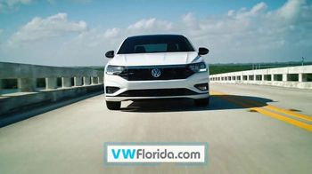 Volkswagen Presidents Day Deals TV Spot, 'Value Days: Even More Value' [T2] - Thumbnail 2