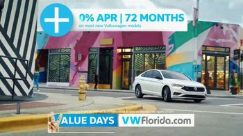 Volkswagen Presidents Day Deals TV Spot, 'Value Days: Even More Value' [T2] - Thumbnail 5