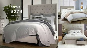 Macy's Presidents Day Furniture and Mattress Specials TV Spot, 'Sectional, Queen Bed and Free Base' - Thumbnail 7