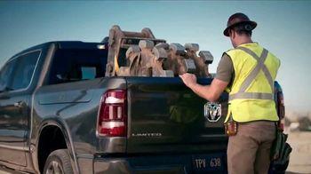Ram Trucks El Mes de la Camioneta TV Spot, 'Tres veces' canción de Foo Fighters [Spanish] [T2] - Thumbnail 5