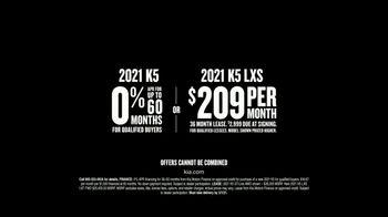2021 Kia K5 TV Spot, 'Flat Spin Stunt' [T2] - Thumbnail 6