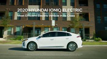 Hyundai TV Spot, 'Presidents Day: Meet the Family' [T2] - Thumbnail 3