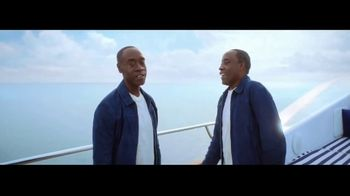 Michelob ULTRA Organic Seltzer TV Spot, 'All-Star Cast' Featuring Don Cheadle, Song by Alan Parker - Thumbnail 6