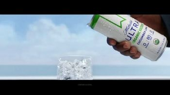 Michelob ULTRA Organic Seltzer TV Spot, 'All-Star Cast' Featuring Don Cheadle, Song by Alan Parker - Thumbnail 7