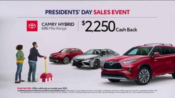 Toyota Presidents Day Sales Event TV Spot, 'Check This Out' [T2] - Thumbnail 3