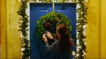 Lowe's TV Spot, 'Home for the Holidays: Joy to All' - Thumbnail 2