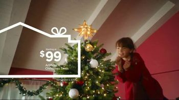 Lowe's TV Spot, 'Home for the Holidays: Joy to All' - Thumbnail 3