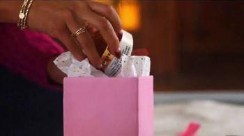 Ulta TV Spot, 'Holidays: Regalar felicidad' [Spanish] - Thumbnail 9