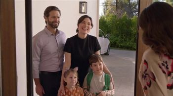 2020 Buick Encore GX TV Spot, 'Surprise Dinner Party' Song by Matt and Kim [T2] - Thumbnail 4