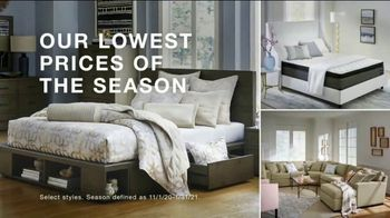 Macy's Veterans Day Sale TV Spot, 'Sofa, Bed and Adjustable Base' - Thumbnail 3