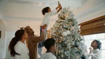 JCPenney TV Spot, 'Holidays: Joy To Everyone' - Thumbnail 5
