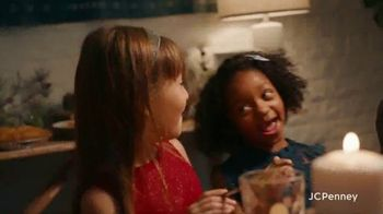 JCPenney TV Spot, 'Holidays: Joy To Everyone' - Thumbnail 9