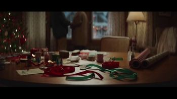 Hobby Lobby TV Spot, 'Christmas Is What You Make It: Neighbors' - Thumbnail 8