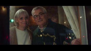 Hobby Lobby TV Spot, 'Christmas Is What You Make It: Neighbors' - Thumbnail 7