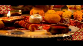 House of Spices Besan Gram Flour TV Spot, 'Diwali: Celebrate With Family' - Thumbnail 3