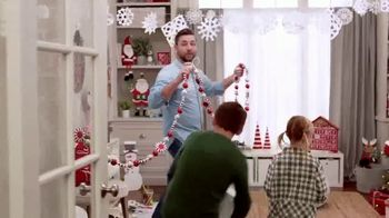 Michaels TV Spot, 'Holidays: 30% Off Floral & Decor' - Thumbnail 7