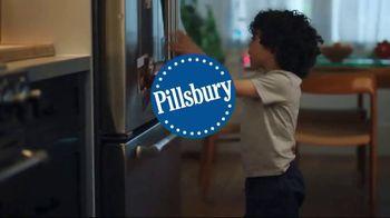 Pillsbury Crescents TV Spot, 'Holidays: Opening Gifts' - Thumbnail 1