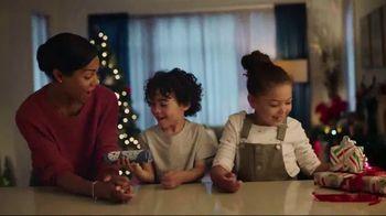 Pillsbury Crescents TV Spot, 'Holidays: Opening Gifts' - Thumbnail 3