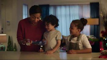 Pillsbury Crescents TV Spot, 'Holidays: Opening Gifts' - Thumbnail 4