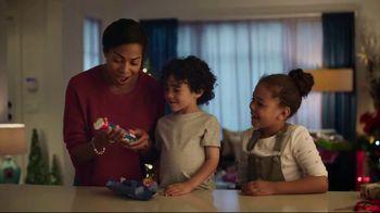 Pillsbury Crescents TV Spot, 'Holidays: Opening Gifts' - Thumbnail 5