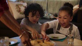 Pillsbury Crescents TV Spot, 'Holidays: Opening Gifts' - Thumbnail 8
