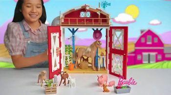 Barbie Sweet Orchard Farm Barn Playset TV Spot, 'Lend a Hand' - Thumbnail 2