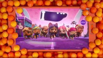 VIP Pets TV Spot, 'The Buzz: Fashionable Best Friends' - Thumbnail 3
