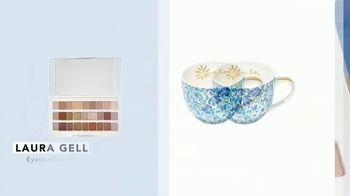 FabFitFun TV Spot, 'Winter Box: Stud Earrings, Ceramic Mug Set and Eyeshadow Palette' - Thumbnail 5