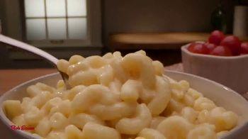 Bob Evans Grocery Macaroni & Cheese TV Spot, 'Favorite Dinner Side' - Thumbnail 3