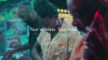 XFINITY Mobile TV Spot, 'Your Own Way: Save on Other Xfinity Services and Up to $400 Off' - Thumbnail 2