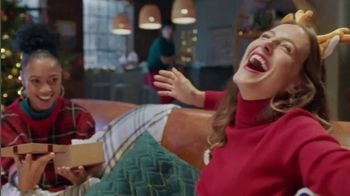 Glade TV Spot, 'Scent for the Holidays' Song by Sammy Wilk - Thumbnail 5