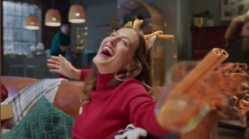 Glade TV Spot, 'Scent for the Holidays' Song by Sammy Wilk - Thumbnail 6