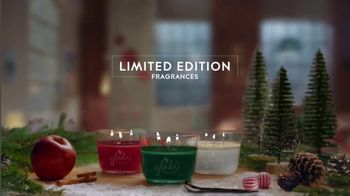 Glade TV Spot, 'Scent for the Holidays' Song by Sammy Wilk - Thumbnail 8