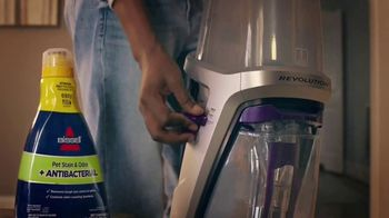 Bissell 2X Revolution Pet Pro TV Spot, 'Removes Stains' - Thumbnail 5