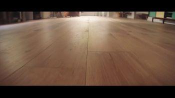 LL Flooring TV Spot, 'Bellawood Oak Floor: 18 Months Financing' - Thumbnail 1