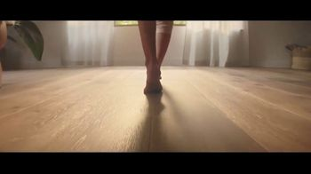 LL Flooring TV Spot, 'Bellawood Oak Floor: 18 Months Financing' - Thumbnail 4