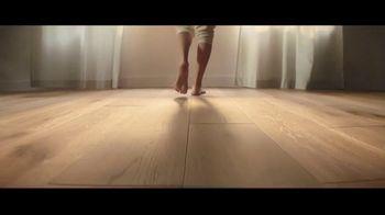 LL Flooring TV Spot, 'Bellawood Oak Floor: 18 Months Financing' - Thumbnail 5