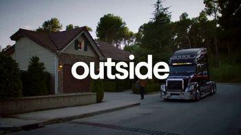 Clorox TV Spot, 'Inside vs. Outside: 18-Wheeler' - Thumbnail 7