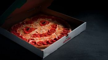 Papa John's Jack-O'-Lantern Pizza TV Spot, 'Tricks' - Thumbnail 3