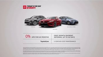 Toyota Today's the Day Event TV Spot, 'Outsmart' Song by Bob Marley and the Wailers [T2] - Thumbnail 9