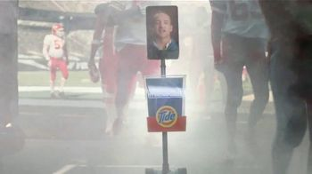 Tide TV Spot, 'First Clean Jersey Swap' Featuring Peyton Manning - Thumbnail 4