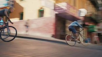 XFINITY Mobile TV Spot, 'Go Your Own Way: iPhone 12' - Thumbnail 3