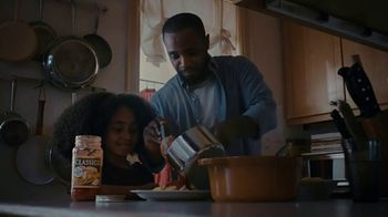 Classico Four Cheese Red Sauce TV Spot, 'Neighbor'