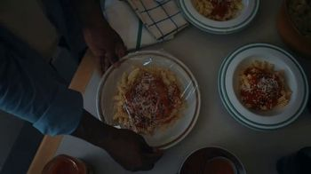 Classico Four Cheese Red Sauce TV Spot, 'Neighbor' - Thumbnail 4