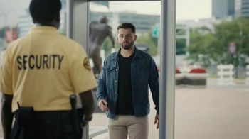 Progressive TV Spot, 'Baker Mayfield Gets Wanded'