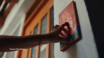 Airbnb TV Spot, 'Airbnb Hosts Ring Our Opening Bell' - Thumbnail 10