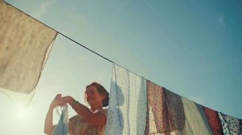 Airbnb TV Spot, 'Airbnb Hosts Ring Our Opening Bell' - Thumbnail 6